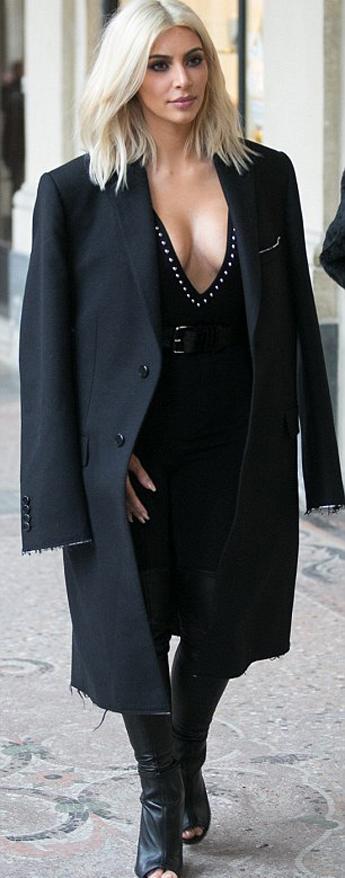 Kylie Jenner copia a s... Kim Kardashian